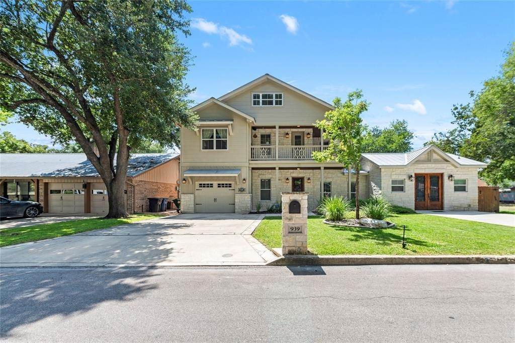 Single Family for Sale at 939 Hayselton Avenue New Braunfels, Texas 78130 United States
