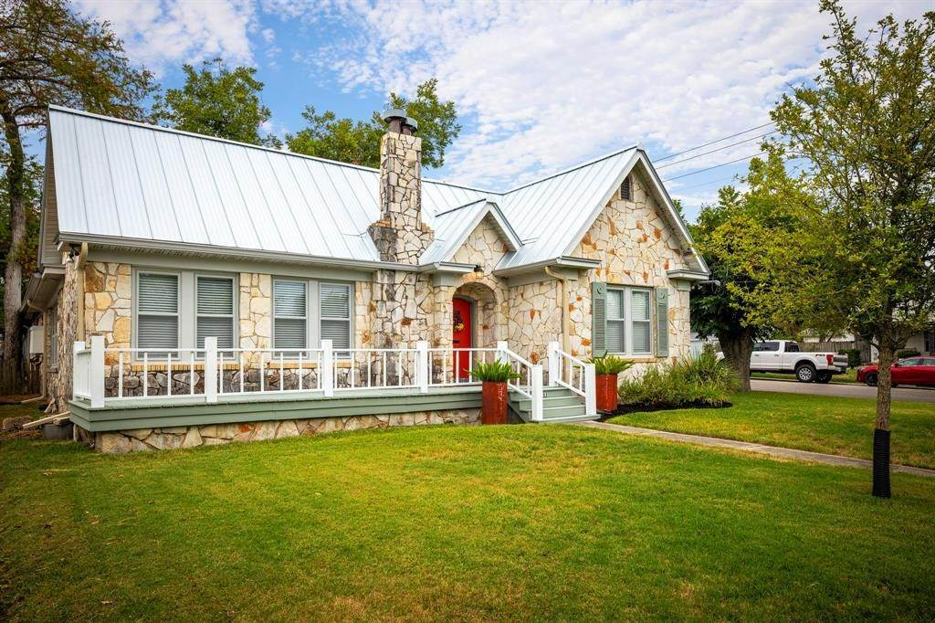Single Family for Sale at 1193 Lee Street New Braunfels, Texas 78130 United States