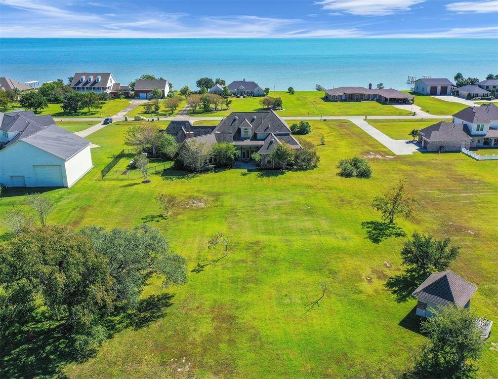 Single Family for Sale at 9051 North Point Drive Drive Beach City, Texas 77523 United States