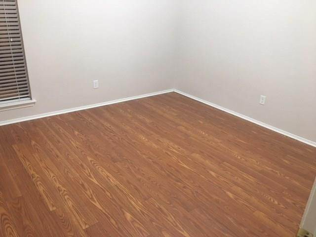 13. Condo / Townhouse for Rent at 5100 Milwee Street #123 5100 Milwee Street Houston, Texas 77092 United States
