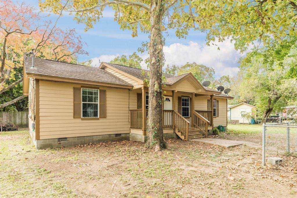 Single Family for Sale at 123 Landers Road Oyster Creek, Texas 77541 United States