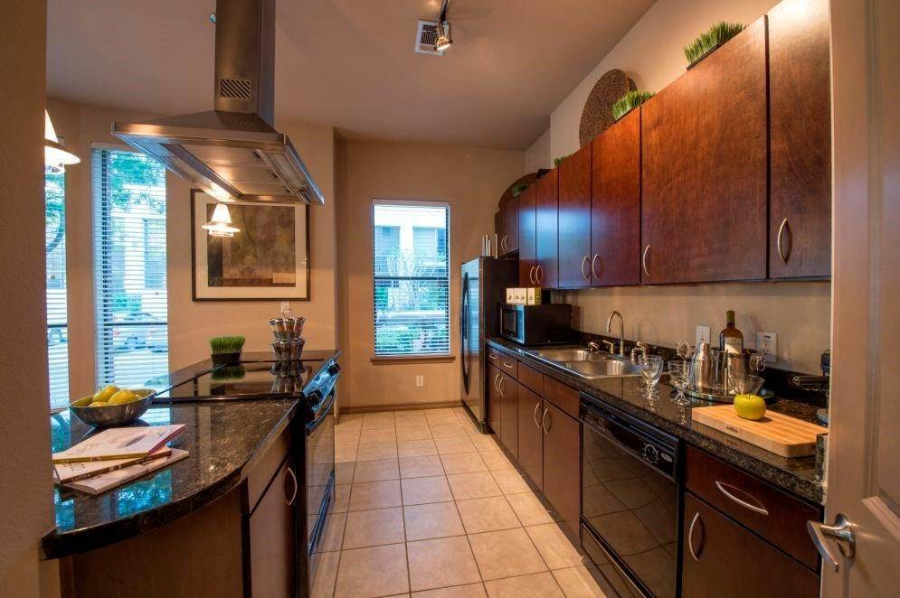 13. High or Mid-Rise Condo for Rent at 3616 Richmond Avenue #2119 3616 Richmond Avenue Houston, Texas 77046 United States