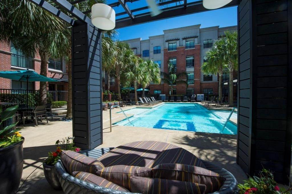 25. High or Mid-Rise Condo for Rent at 3616 Richmond Avenue #2119 3616 Richmond Avenue Houston, Texas 77046 United States