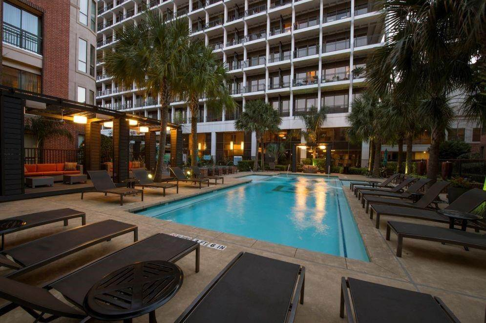 3. High or Mid-Rise Condo for Rent at 3616 Richmond Avenue #2119 3616 Richmond Avenue Houston, Texas 77046 United States