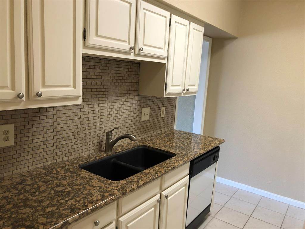 Condo / Townhouse for Rent at 2400 N Braeswood Boulevard #332 2400 N Braeswood Boulevard Houston, Texas 77030 United States
