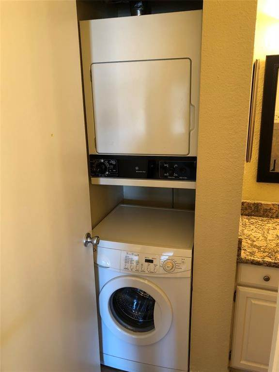 10. Condo / Townhouse for Rent at 2400 N Braeswood Boulevard #332 2400 N Braeswood Boulevard Houston, Texas 77030 United States