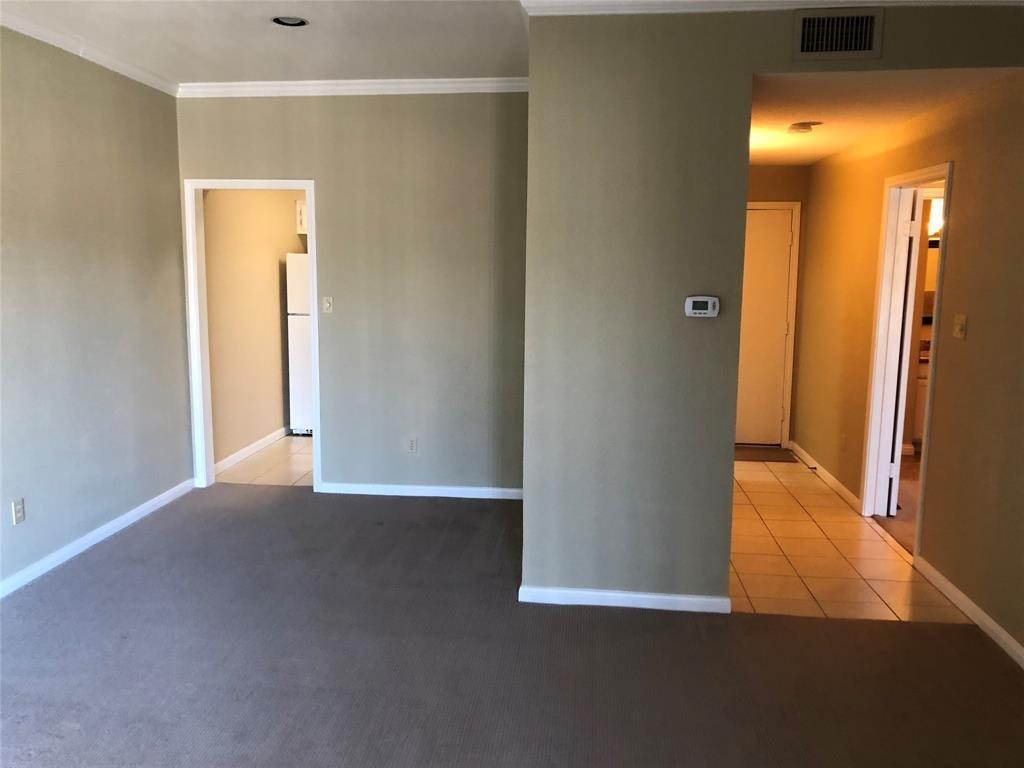 4. Condo / Townhouse for Rent at 2400 N Braeswood Boulevard #332 2400 N Braeswood Boulevard Houston, Texas 77030 United States