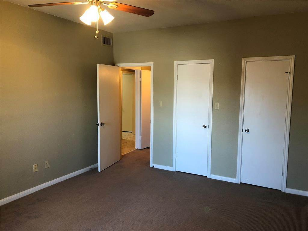 6. Condo / Townhouse for Rent at 2400 N Braeswood Boulevard #332 2400 N Braeswood Boulevard Houston, Texas 77030 United States