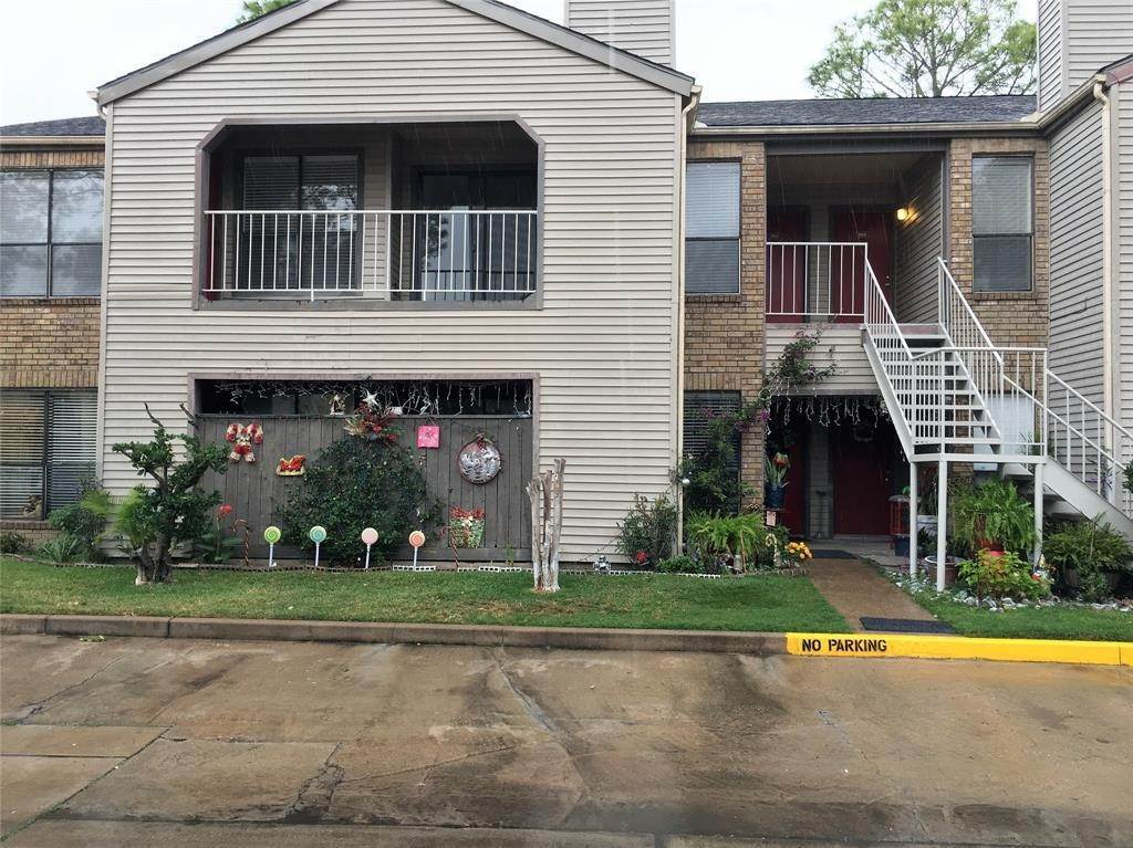 Condo / Townhouse for Rent at 2025 Augusta Drive #804 2025 Augusta Drive Houston, Texas 77057 United States