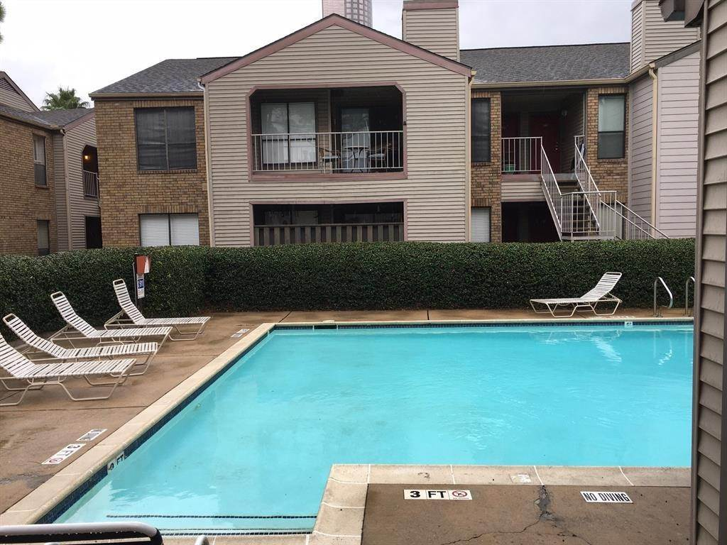 30. Condo / Townhouse for Rent at 2025 Augusta Drive #804 2025 Augusta Drive Houston, Texas 77057 United States