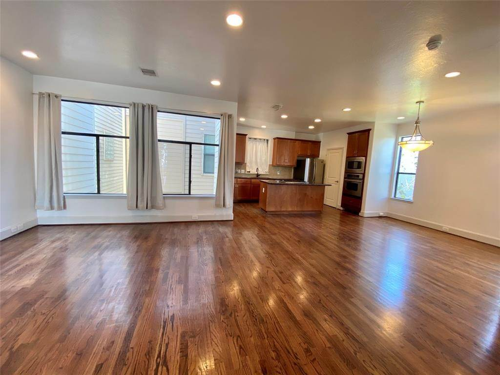 12. Condo / Townhouse for Rent at 2816 Rusk Street Houston, Texas 77003 United States