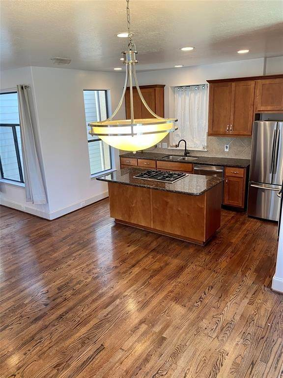 17. Condo / Townhouse for Rent at 2816 Rusk Street Houston, Texas 77003 United States