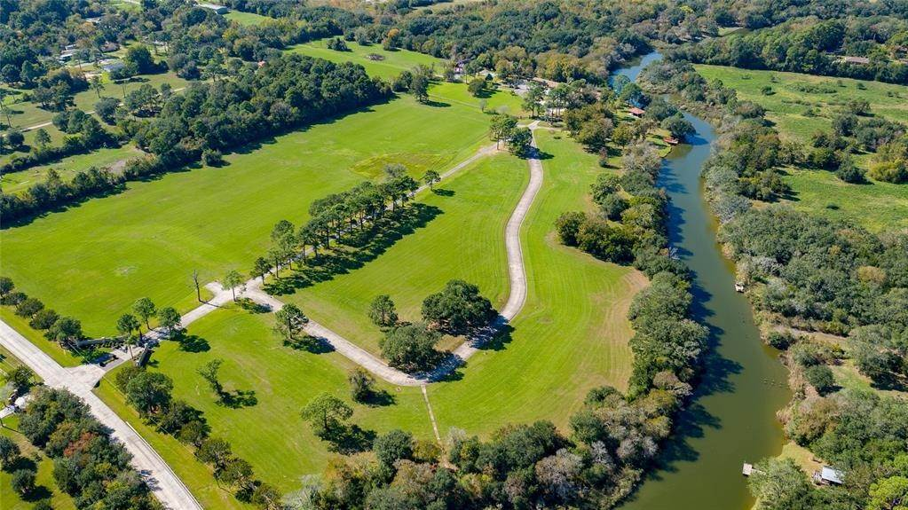 Farm and Ranch Properties for Sale at 6122 Fairwood Road Hitchcock, Texas 77563 United States