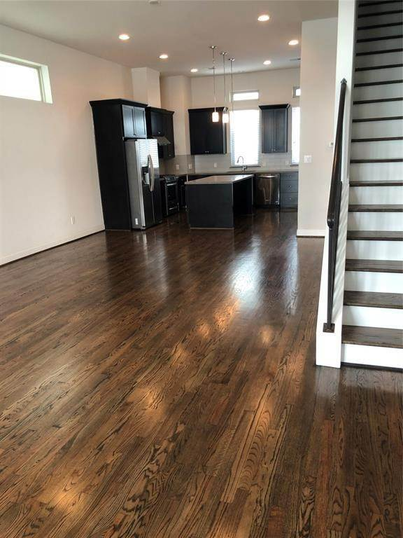 4. Condo / Townhouse for Rent at 1247 Bonner Street #A 1247 Bonner Street Houston, Texas 77007 United States