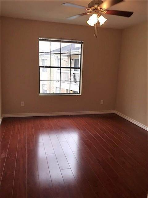 10. Condo / Townhouse for Rent at 2750 Holly Hall Street #1402 2750 Holly Hall Street Houston, Texas 77054 United States