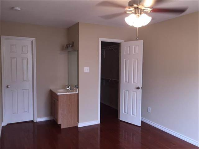 12. Condo / Townhouse for Rent at 2750 Holly Hall Street #1402 2750 Holly Hall Street Houston, Texas 77054 United States