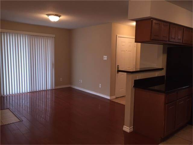 6. Condo / Townhouse for Rent at 2750 Holly Hall Street #1402 2750 Holly Hall Street Houston, Texas 77054 United States