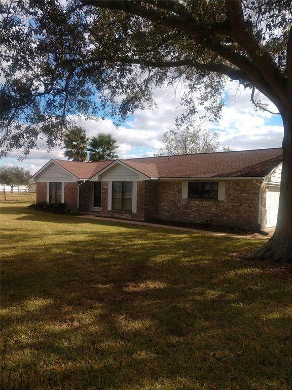Homes and/or Acreage for Rent at 4306 E Fm 1462 Road Rosharon, Texas 77583 United States