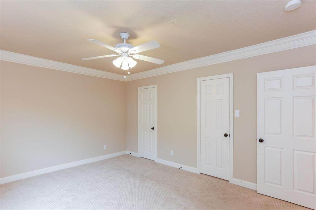 10. Condo / Townhouse for Rent at 2224 S Piney Point Road #223 2224 S Piney Point Road Houston, Texas 77063 United States