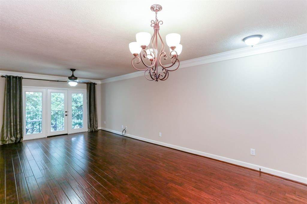 3. Condo / Townhouse for Rent at 2224 S Piney Point Road #223 2224 S Piney Point Road Houston, Texas 77063 United States