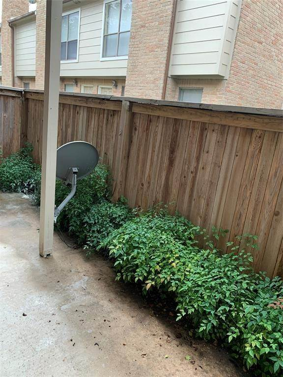 12. Condo / Townhouse for Rent at 2120 Wilcrest Drive #119 2120 Wilcrest Drive Houston, Texas 77042 United States