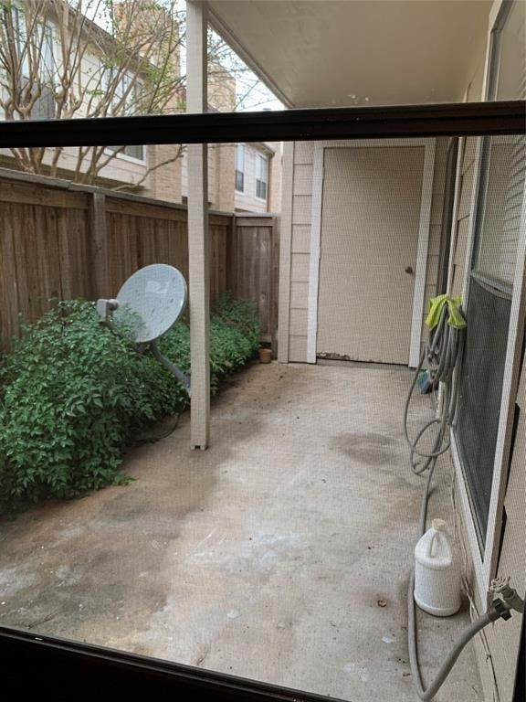 13. Condo / Townhouse for Rent at 2120 Wilcrest Drive #119 2120 Wilcrest Drive Houston, Texas 77042 United States