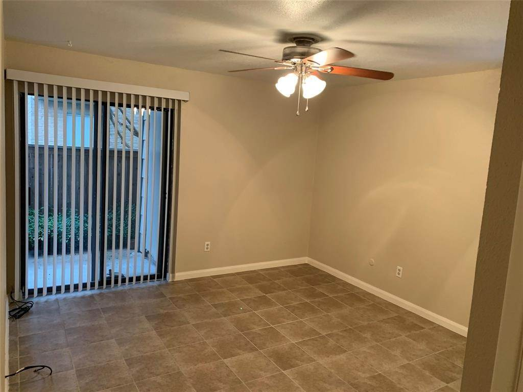 21. Condo / Townhouse for Rent at 2120 Wilcrest Drive #119 2120 Wilcrest Drive Houston, Texas 77042 United States