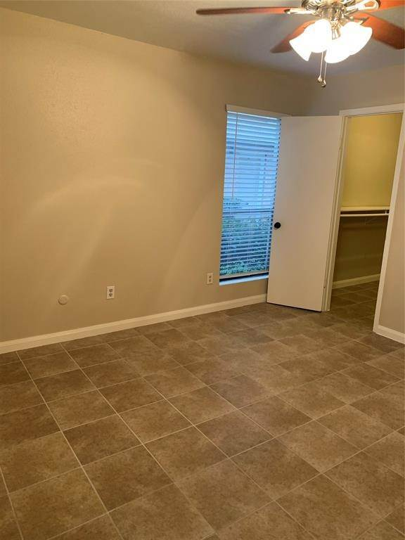 24. Condo / Townhouse for Rent at 2120 Wilcrest Drive #119 2120 Wilcrest Drive Houston, Texas 77042 United States