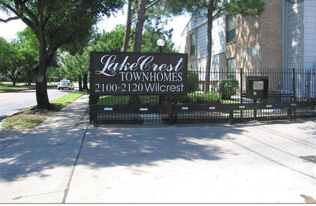 26. Condo / Townhouse for Rent at 2120 Wilcrest Drive #119 2120 Wilcrest Drive Houston, Texas 77042 United States