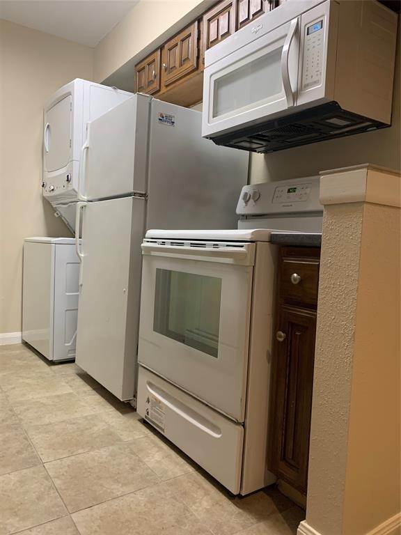 6. Condo / Townhouse for Rent at 2120 Wilcrest Drive #119 2120 Wilcrest Drive Houston, Texas 77042 United States