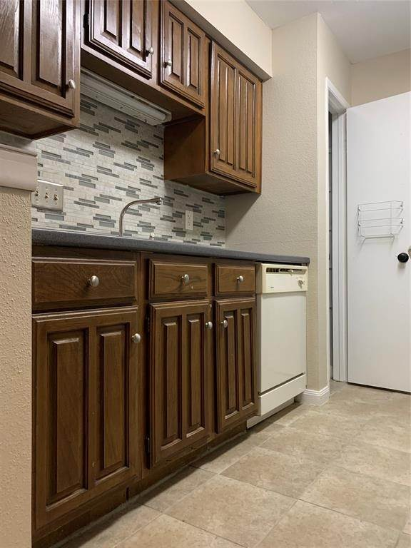 7. Condo / Townhouse for Rent at 2120 Wilcrest Drive #119 2120 Wilcrest Drive Houston, Texas 77042 United States