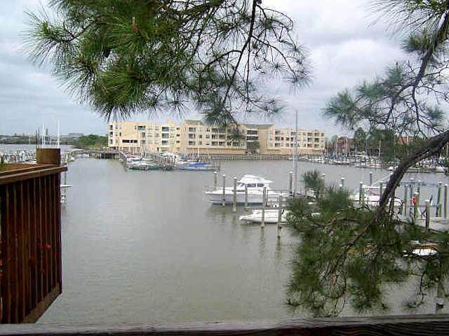 Condo / Townhouse for Rent at 2320 Crows Nest League City, Texas 77573 United States