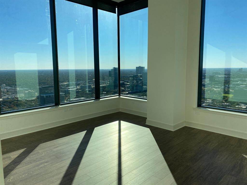 3. High or Mid-Rise Condo for Rent at 2651 Kipling Street #4005 2651 Kipling Street Houston, Texas 77098 United States