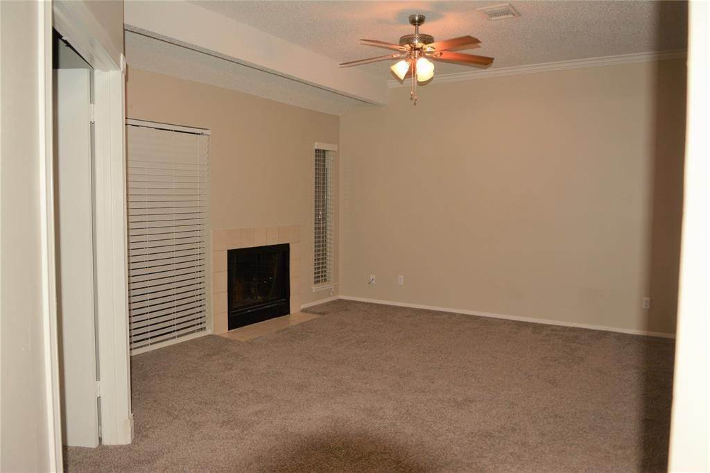 4. Condo / Townhouse for Rent at 3317 Golden Trails Drive #804 3317 Golden Trails Drive Houston, Texas 77345 United States