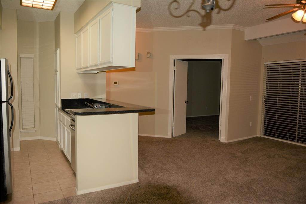 8. Condo / Townhouse for Rent at 3317 Golden Trails Drive #804 3317 Golden Trails Drive Houston, Texas 77345 United States