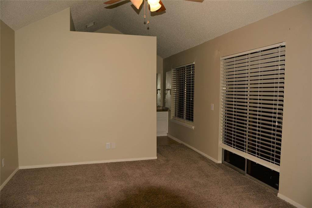 9. Condo / Townhouse for Rent at 3317 Golden Trails Drive #804 3317 Golden Trails Drive Houston, Texas 77345 United States
