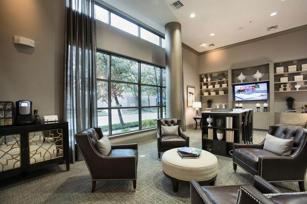 17. High or Mid-Rise Condo for Rent at 2929 Westheimer #702 2929 Westheimer Houston, Texas 77098 United States