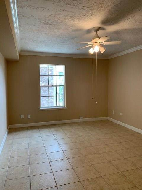 13. High or Mid-Rise Condo for Rent at 355 N Post Oak Lane #743 355 N Post Oak Lane Houston, Texas 77024 United States