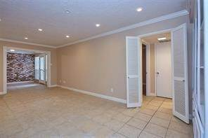 6. High or Mid-Rise Condo for Rent at 355 N Post Oak Lane #743 355 N Post Oak Lane Houston, Texas 77024 United States