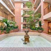 5. High or Mid-Rise Condo for Rent at 9333 Memorial Drive #414 9333 Memorial Drive Houston, Texas 77024 United States