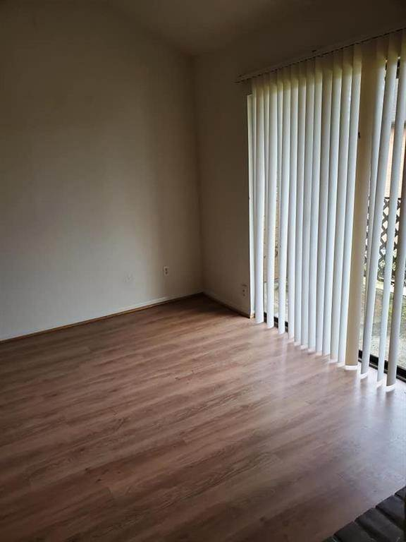 19. Condo / Townhouse for Rent at 9090 S Braeswood Boulevard #58 9090 S Braeswood Boulevard Houston, Texas 77074 United States