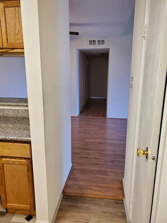 21. Condo / Townhouse for Rent at 9090 S Braeswood Boulevard #58 9090 S Braeswood Boulevard Houston, Texas 77074 United States
