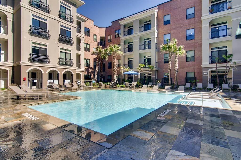 11. High or Mid-Rise Condo for Rent at 1235 E Nasa Parkway #1334 1235 E Nasa Parkway Houston, Texas 77058 United States