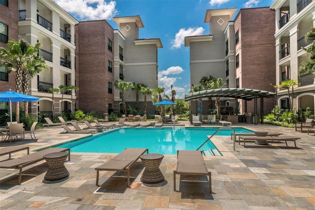 15. High or Mid-Rise Condo for Rent at 1235 E Nasa Parkway #1334 1235 E Nasa Parkway Houston, Texas 77058 United States