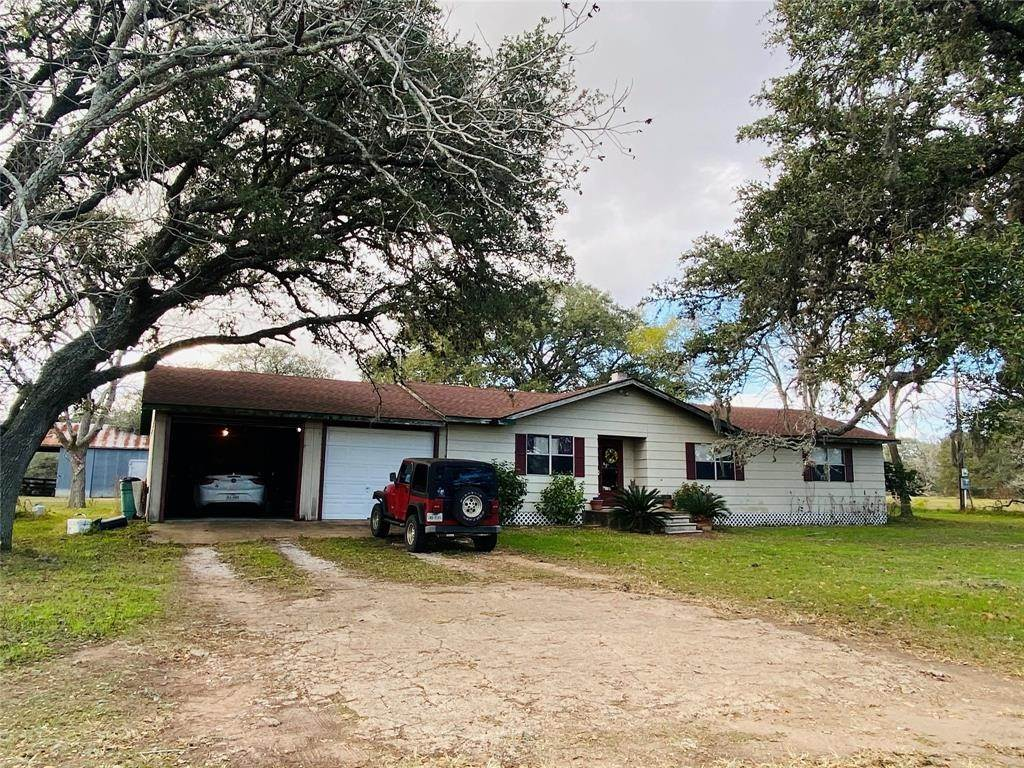 Single Family for Sale at 1284 County Road 327 Yoakum, Texas 77995 United States