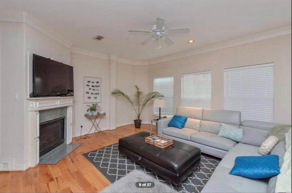 10. Condo / Townhouse for Rent at 3011 Houston Avenue #B 3011 Houston Avenue Houston, Texas 77009 United States