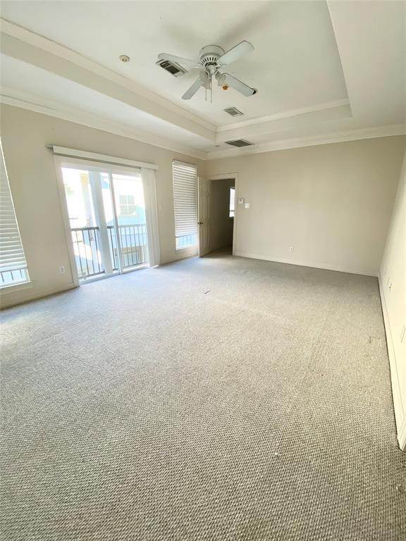 17. Condo / Townhouse for Rent at 3011 Houston Avenue #B 3011 Houston Avenue Houston, Texas 77009 United States