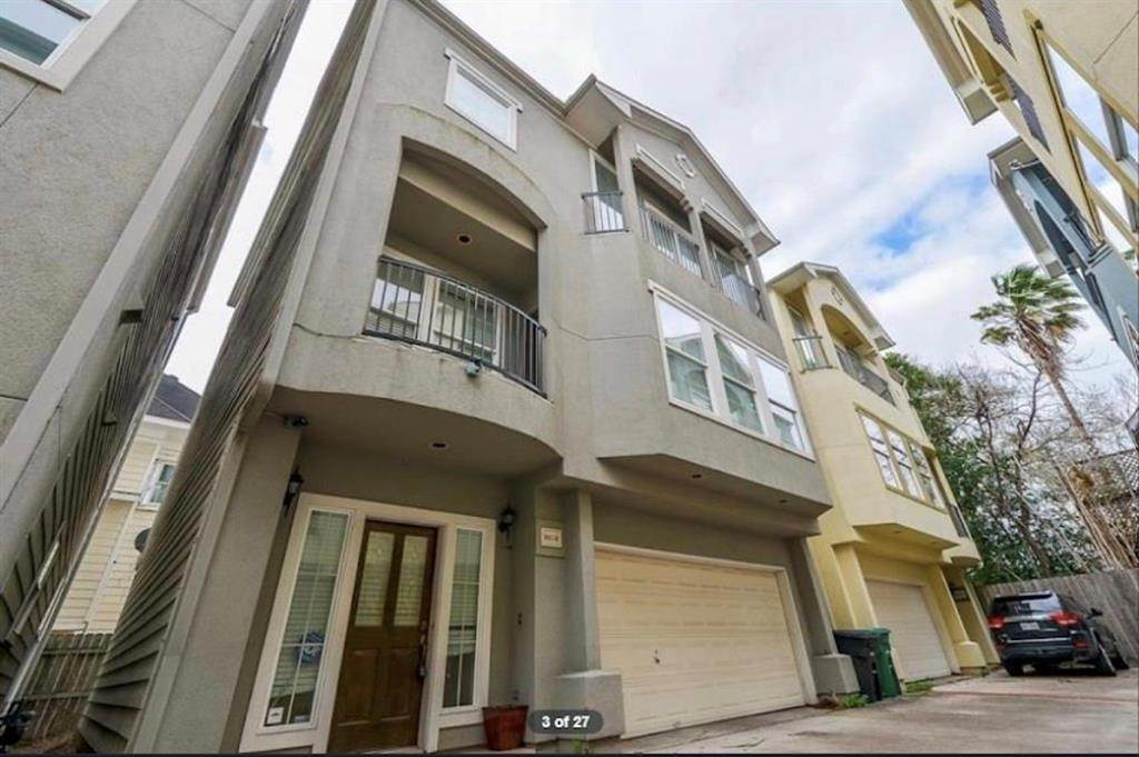 2. Condo / Townhouse for Rent at 3011 Houston Avenue #B 3011 Houston Avenue Houston, Texas 77009 United States