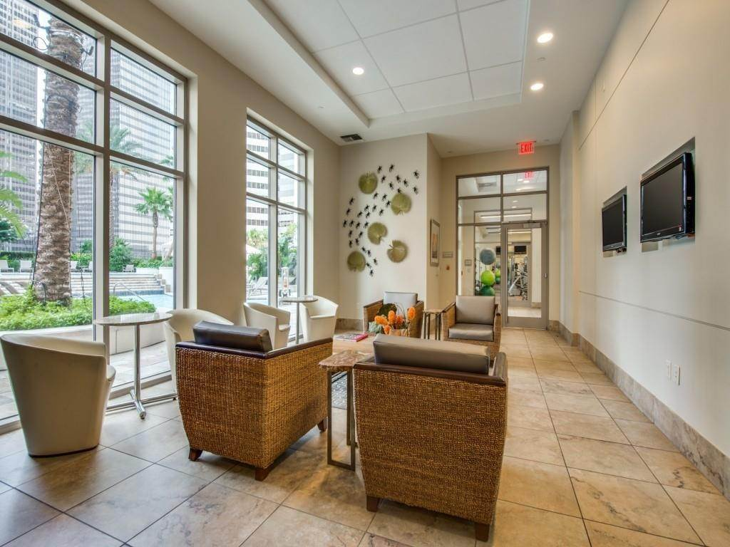 14. High or Mid-Rise Condo for Rent at 1400 Mckinney Street #405 1400 Mckinney Street Houston, Texas 77010 United States