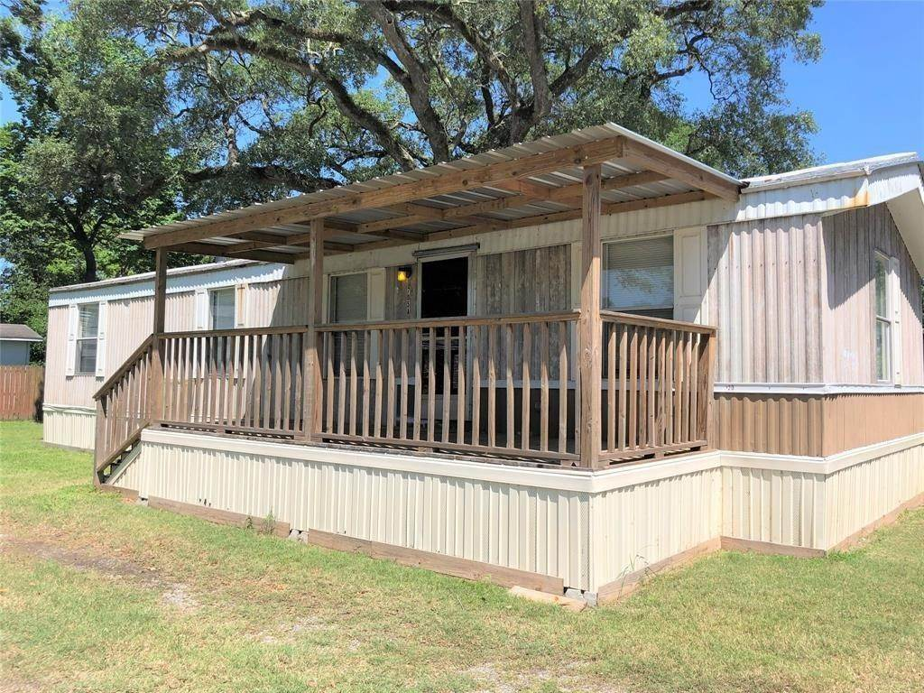 Multi Family for Rent at 705a San Jacinto Street Highlands, Texas 77562 United States